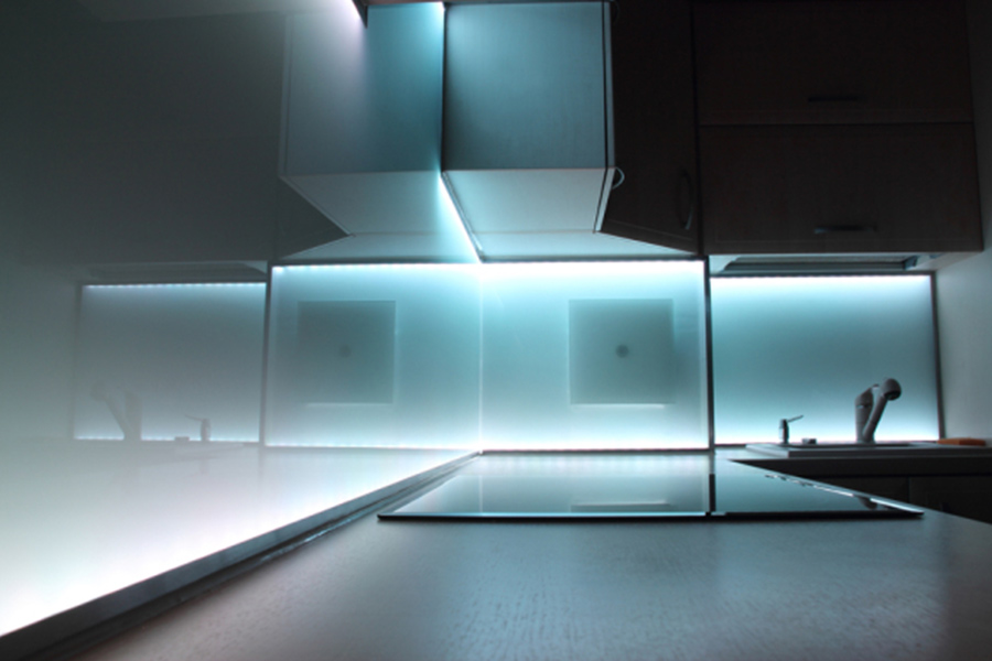 Beautiful Küche Beleuchtung Led Contemporary - Ridgewayng.com ...